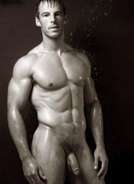 naked body of william moosely