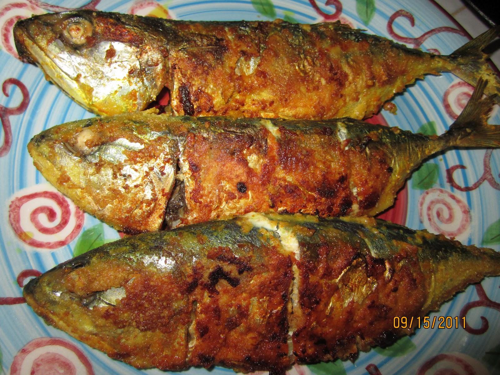 Indianfoodbazaar: Mum's Spicy Mackerel(Bangada) Fish Fry