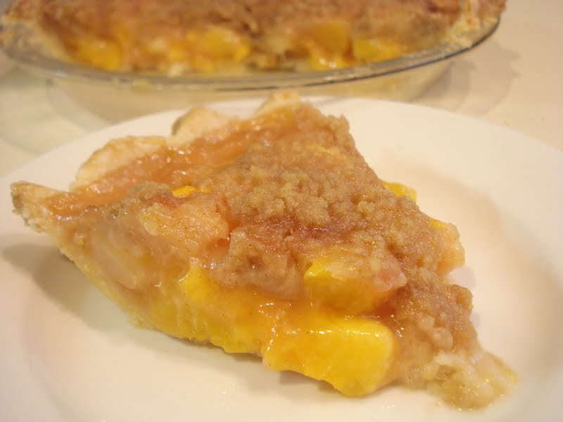 The Cookie Scoop: Peach Crumble Pie