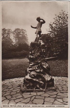 Vintage postcard of the Peter Pan statue, Kensington Gardens, Hyde Park, London