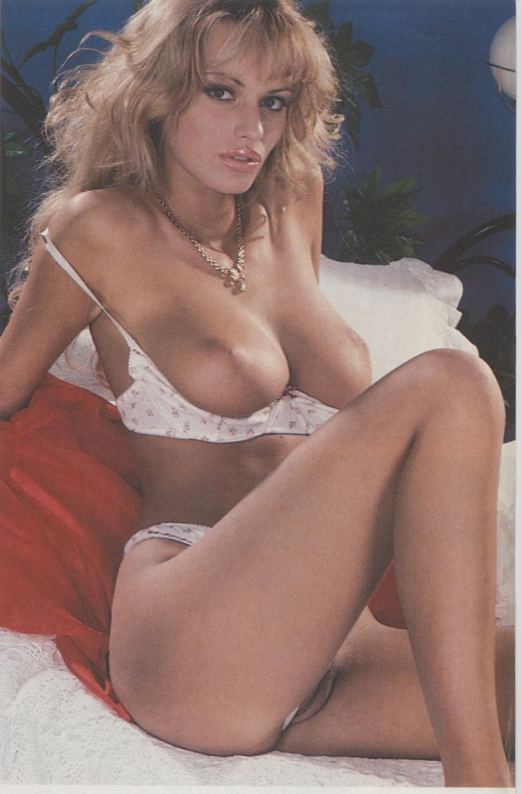 Anita is a blonde blowjob angel