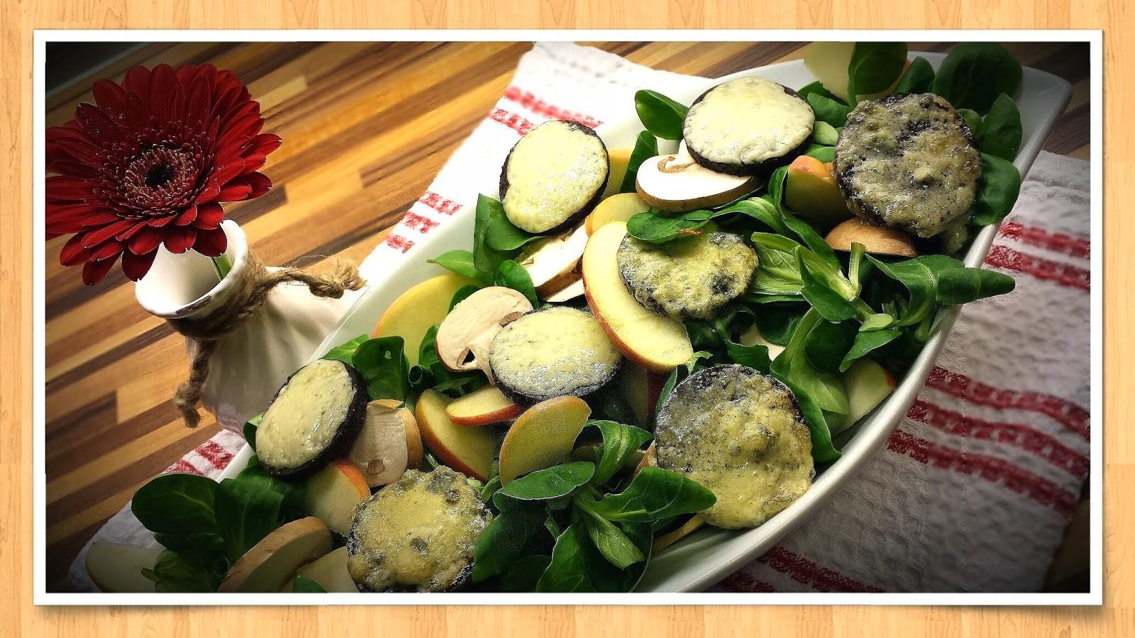 Feldsalat Äpfel Champignons Blauschimmelkäse