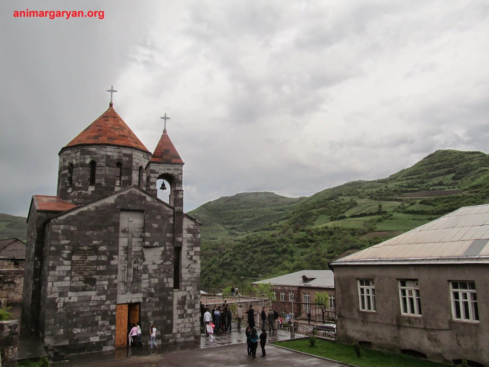 Մովսես գյուղի եկեղեցին՝ անձրևից հետո
