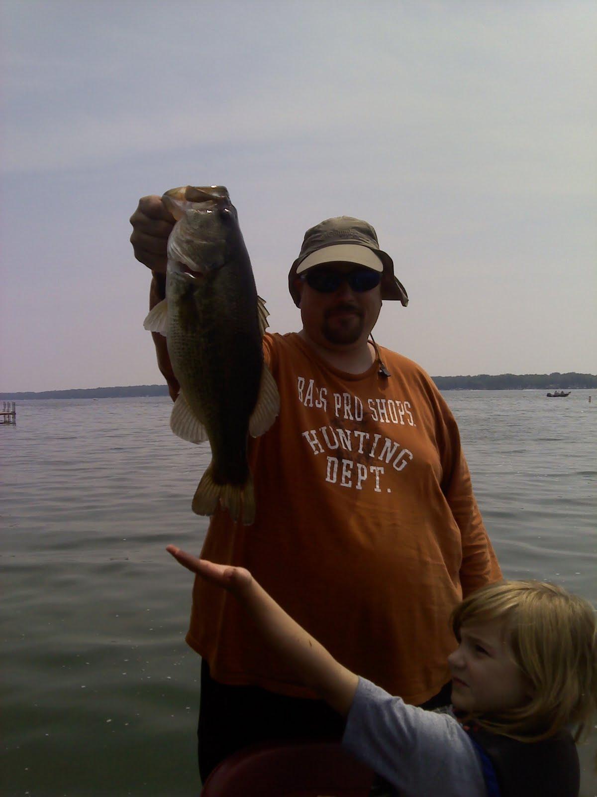 Illinois wisconsin fishing lake delavan bass fishing for Lake delavan fishing
