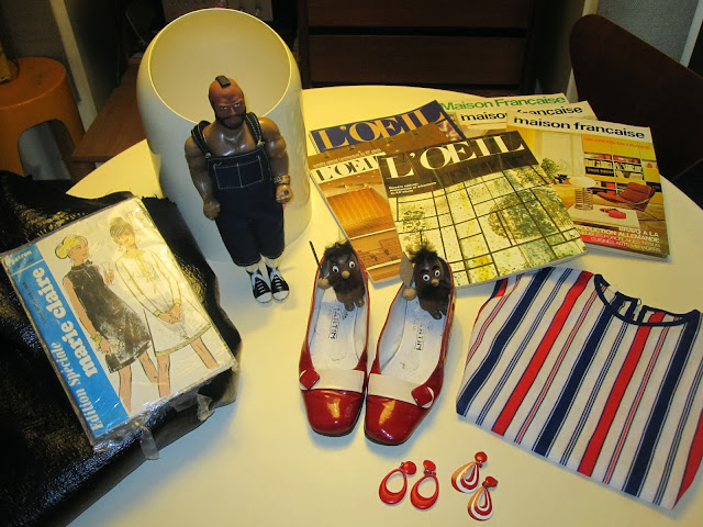 vintage earrings , striped top ,60's red and white patent shoes , Mags L'Oeil / Maison Française , weird wooden gallics , Marie Claire pattern , yards and yards of black vinyl fabric , MR. T , Makio Hasuike for Gedy bin vintage 1960 1970 60s 70s 60's 70's 1960's 1970's mods pattern sew couture patron années 60 70 agence tous risque the a-team vernis rouge blanc