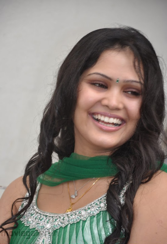 ACTRESS ASMITHA SEXY PICTURES wallpapers