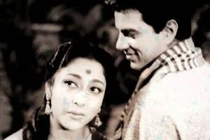 Aap Ki Nazro Ne Samjha Lyrics - Anpadh (1962) - LyricsBogie