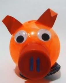 http://manualidadesreciclables.com/16009/como-hacer-animales-con-botellas-de-plastico