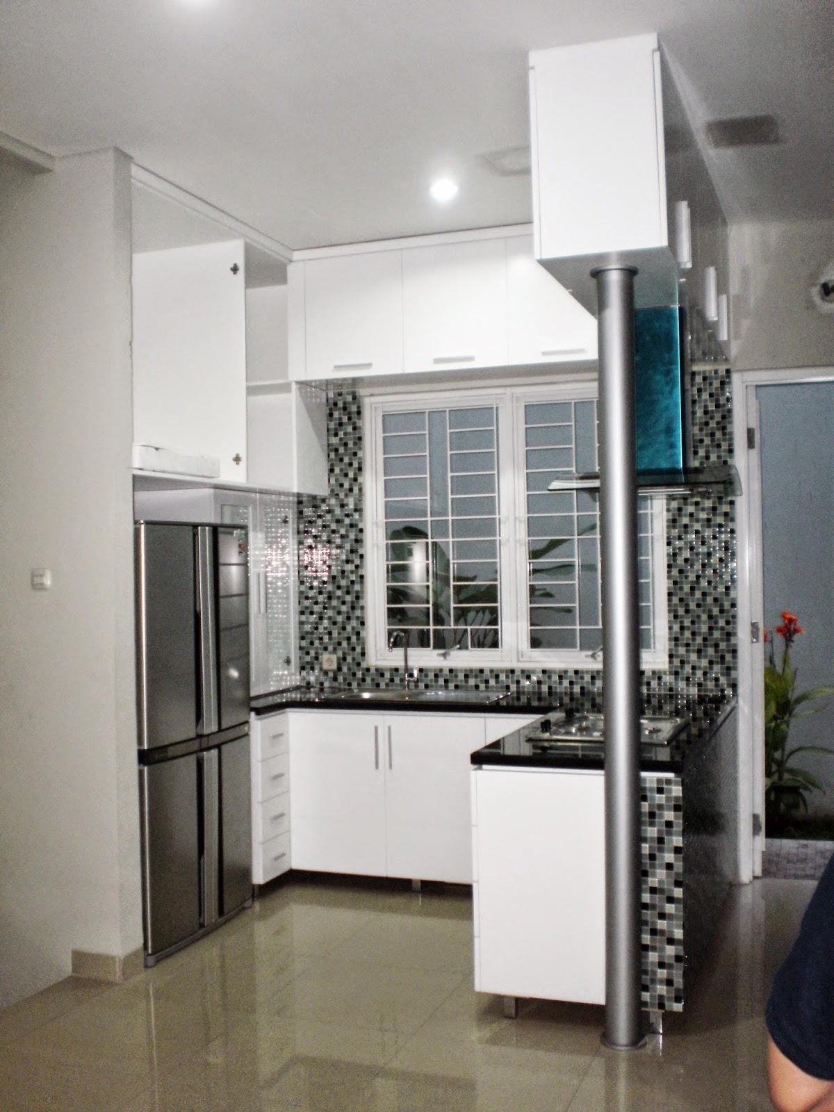 dhian furniture tips menata kitchen set di ruang sempit