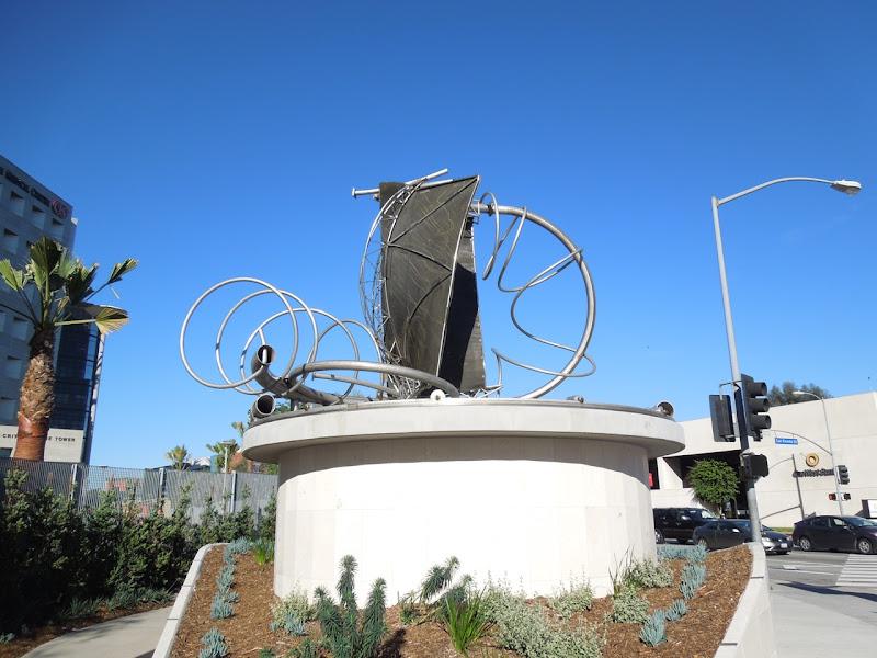 Cedars-Sinai sculpture