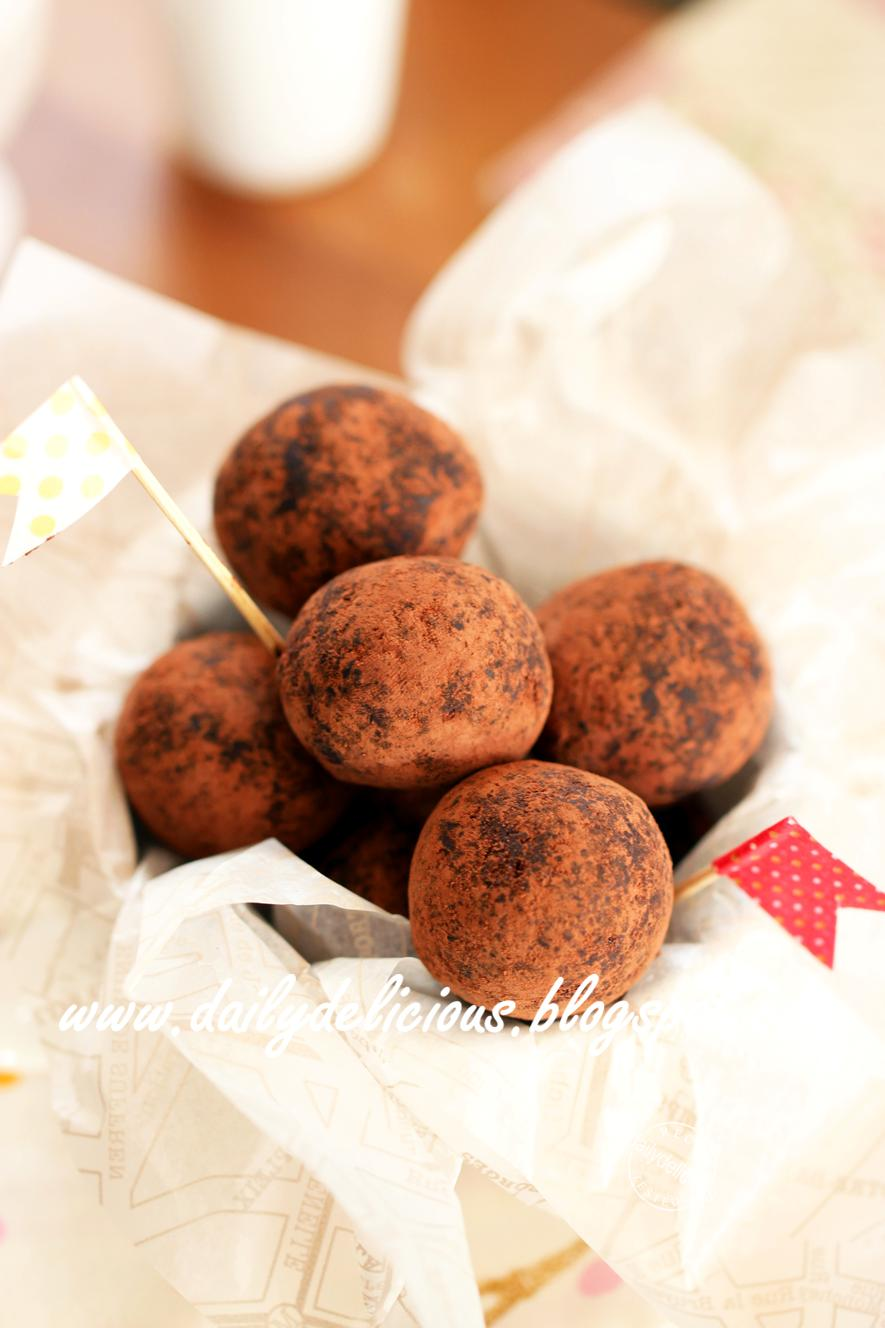 dailydelicious: Quick Fix Desserts: Easy Chocolate Truffles