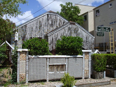 http://unusual-architecture.com/beer-can-house-houston-texas-usa/