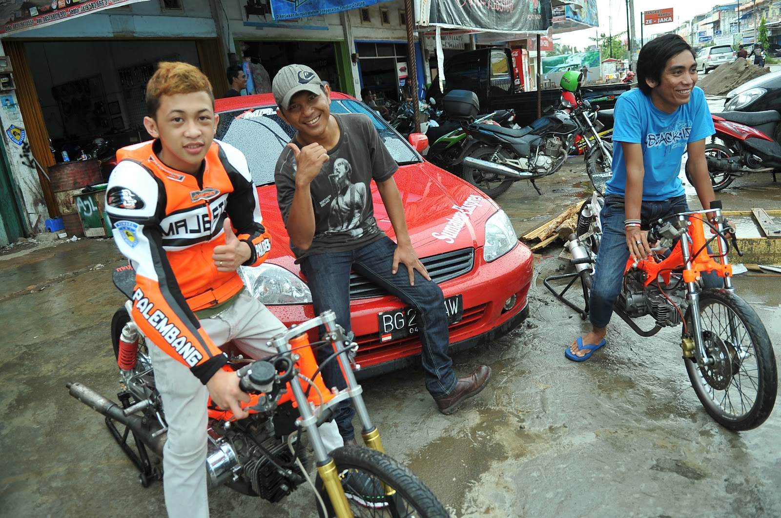 ... Ekspres (MSE) Ikuti Drag Race & Bike IFO Competition I Palembang 2012