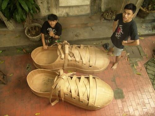 unik sepatu dari kertas