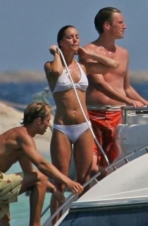 kate middleton pics bikini. kate middleton hot ikini.
