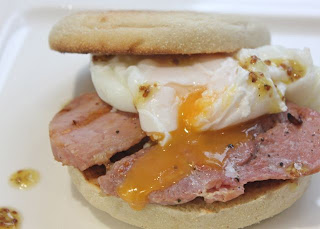 GAMMON & EGG MUFFIN