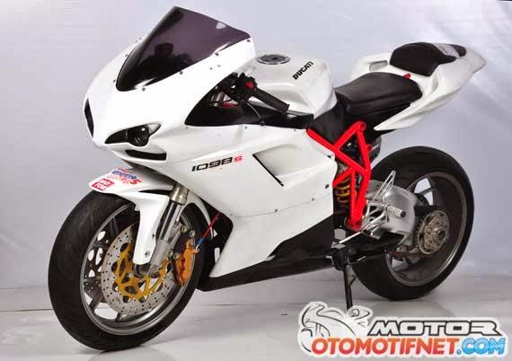Foto Modifikasi Yamaha Byson Menggunakan Full Fairing title=