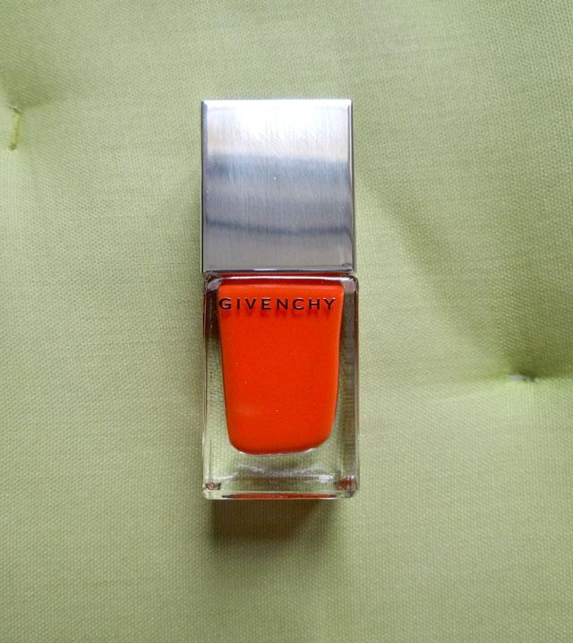 Croisi re mat orange de givenchy ou comment faire vibrer la couleur sur tes ongles beaut blog - Comment faire la couleur orange ...