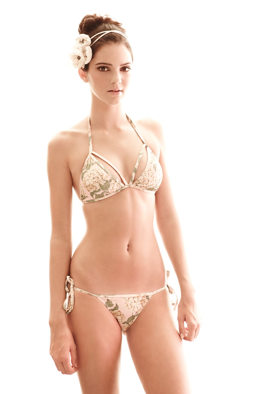 global buzz times kylie jenner 2012 bra size and
