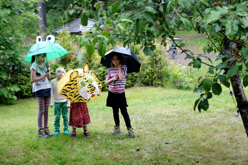 Lasten hauskat sateenvarjot