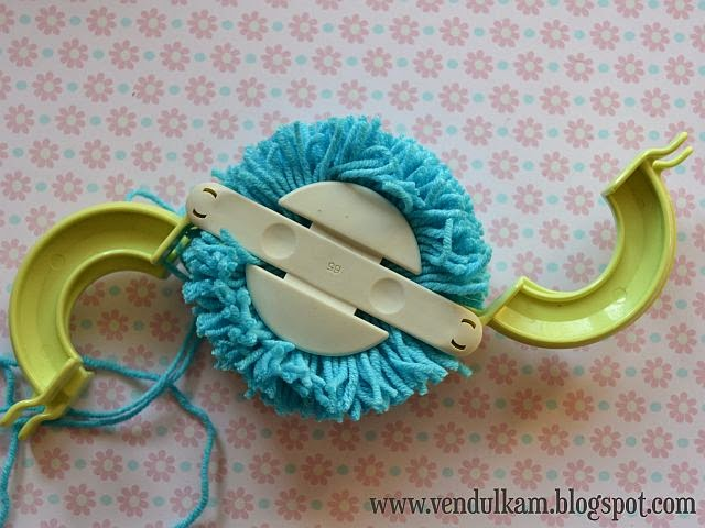 How to make pompom tutorial