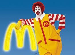 Ronald McDonald anima as férias da criançada no Shopping Grande Rio