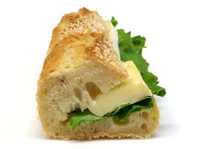 アンシェン・セザム・カマンベール(Sandwich ancien sésame camembert) | PAUL(ポール)