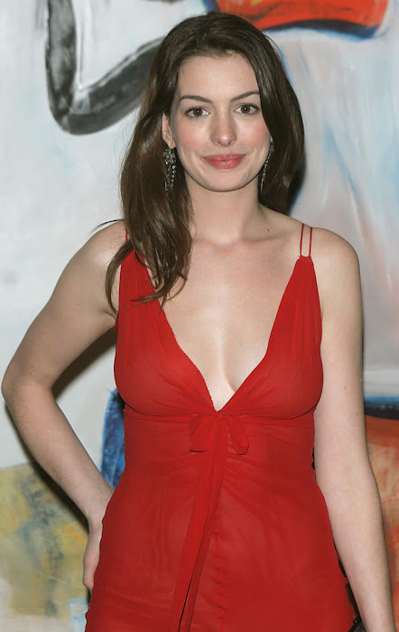 anne hathway new in red dress actress pics