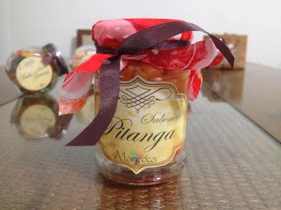 Sabonete artesanal pitanga
