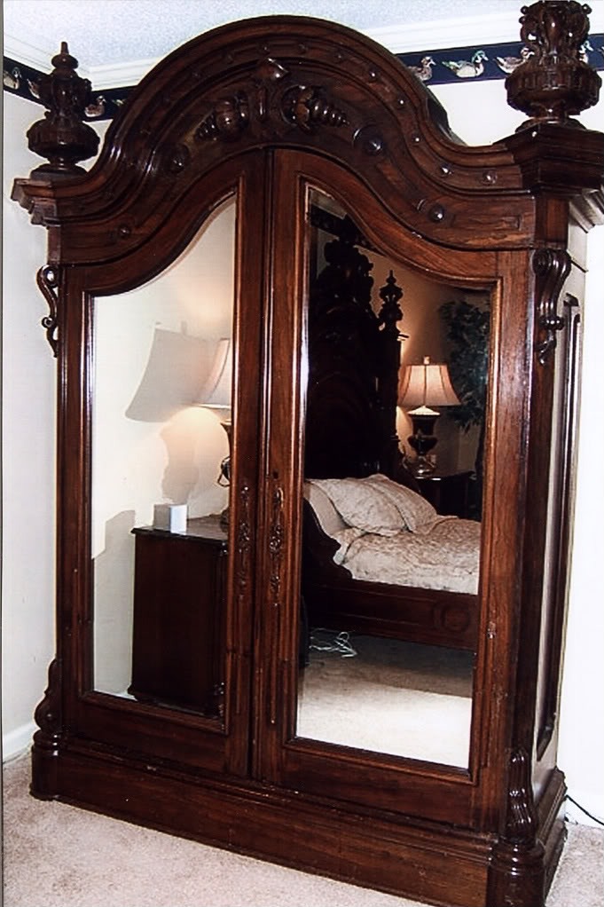 antique furniture and canopy bed furniture jepara indonesia