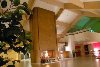 Réussir une sortie d'entreprise, c'est aussi savoir créer une ambiance chaleureuse, cette cheminée pourra y contribuer.