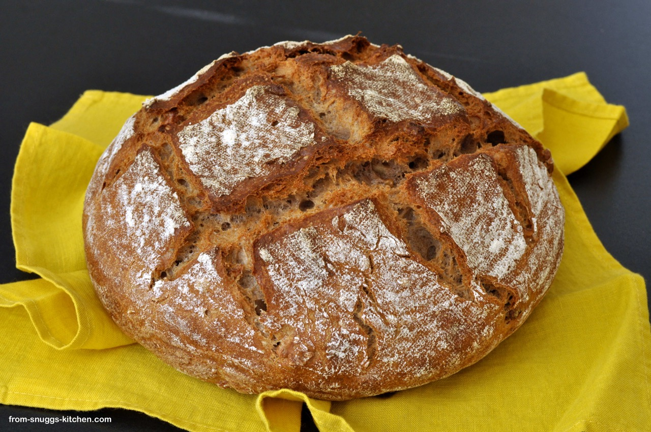 Dinkel-Ayran-Nuss-Brot mit Curry