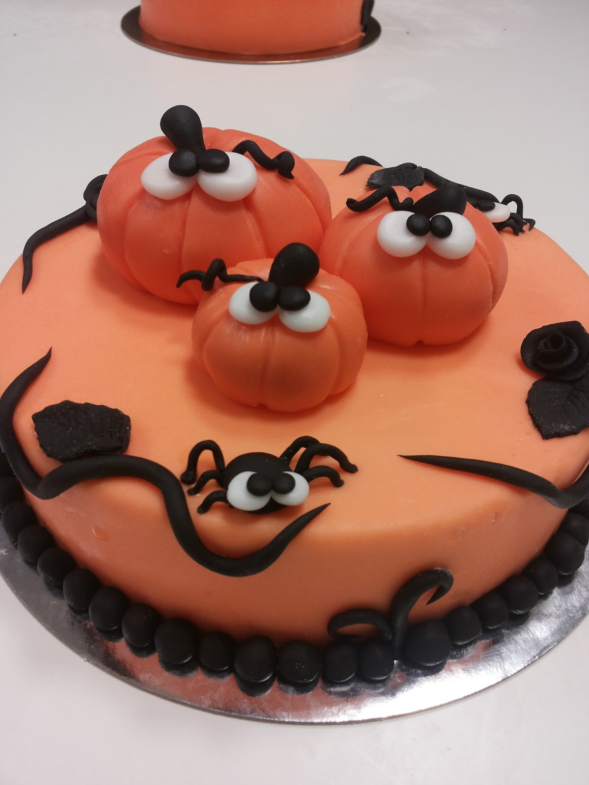 kikki di cannella decorazione torta halloween