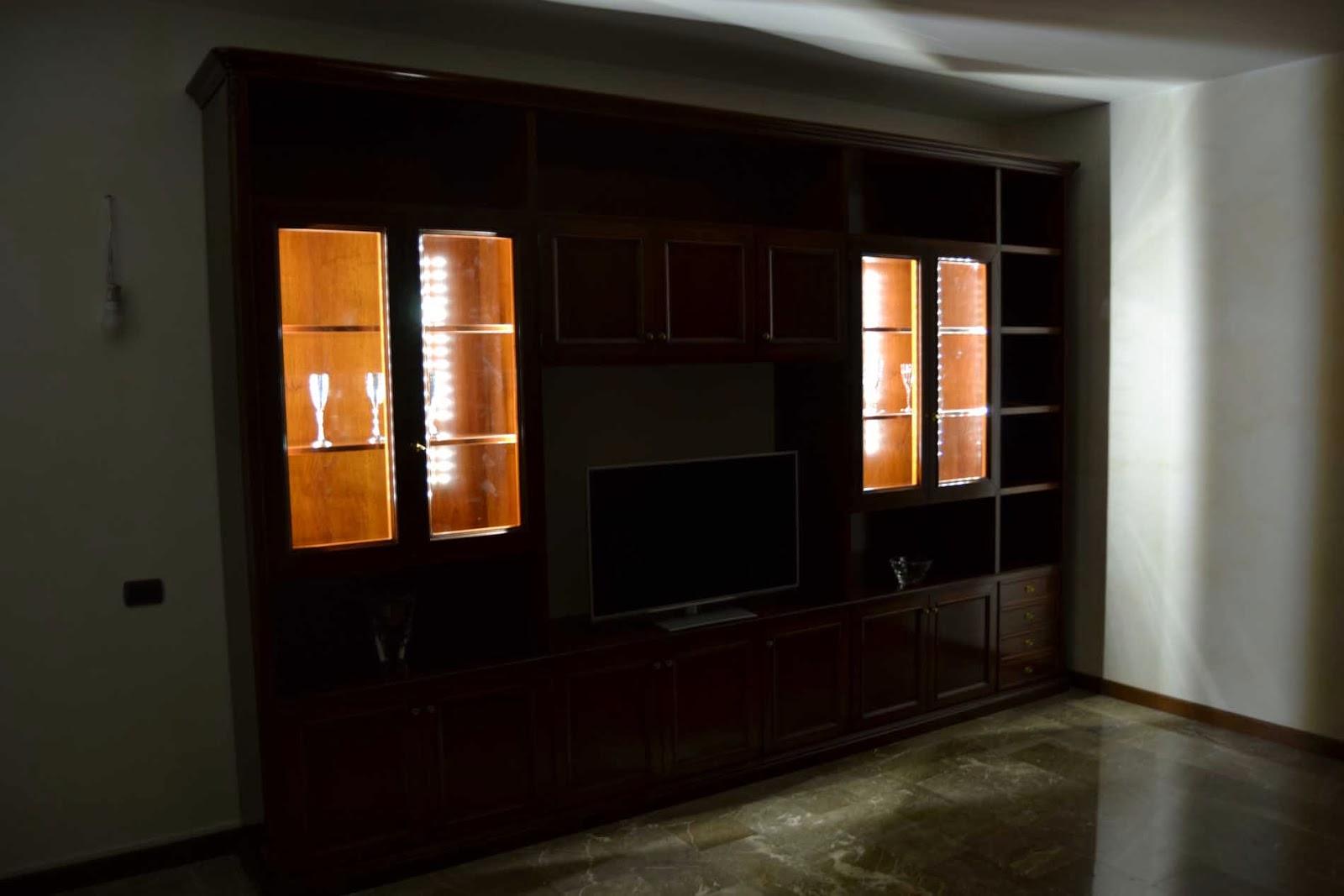 Vetrine Soggiorno Classico : soggiorno classico