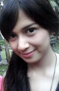 Nama : Shadrina Zatulini Munaf / Nina Zatulini