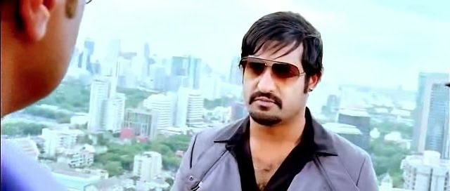 Screen Shot Of Hollywood Movie Rowdy Baadshah (2013) In Hindi Dubbed Full Movie Free Download And Watch Online at worldfree4u.com