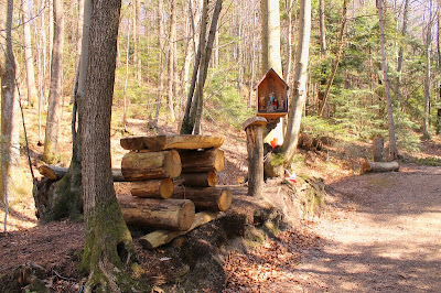 Šumski oltar na stazi 35