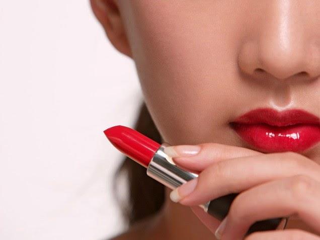 Tips Cara Menggunakan Lipstik Yang Benar Dan Tahan Lama