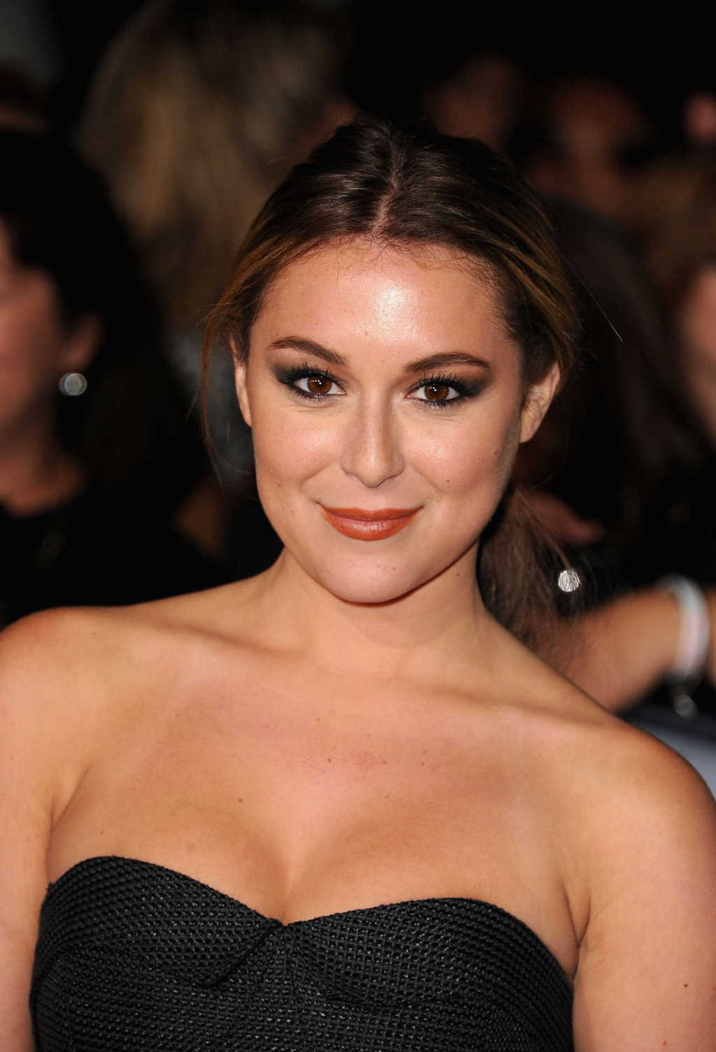 Alexa Vega HD Photos at The Twilight Saga Breaking Dawn 2 Premiere