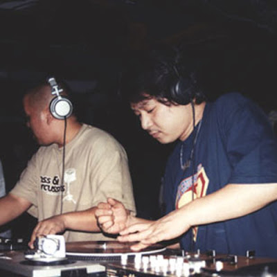 DJ Ta-Shi and DJ Shortkut - Live on 4 turntables (2001)