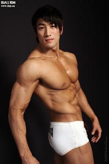Modeling in White Trunks