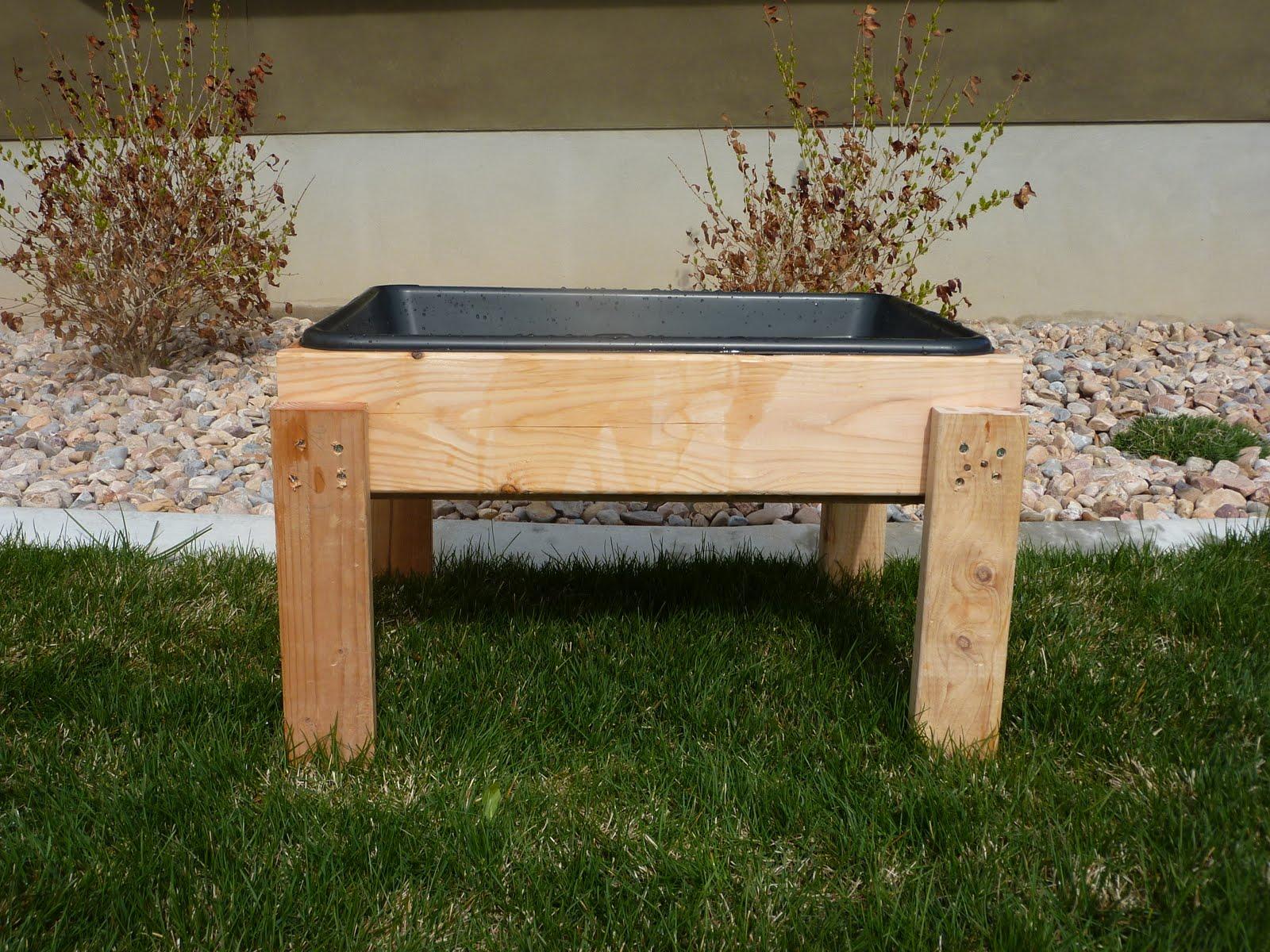 Step2 Arctic Splash Water Table (This Option Is Around $30.00)