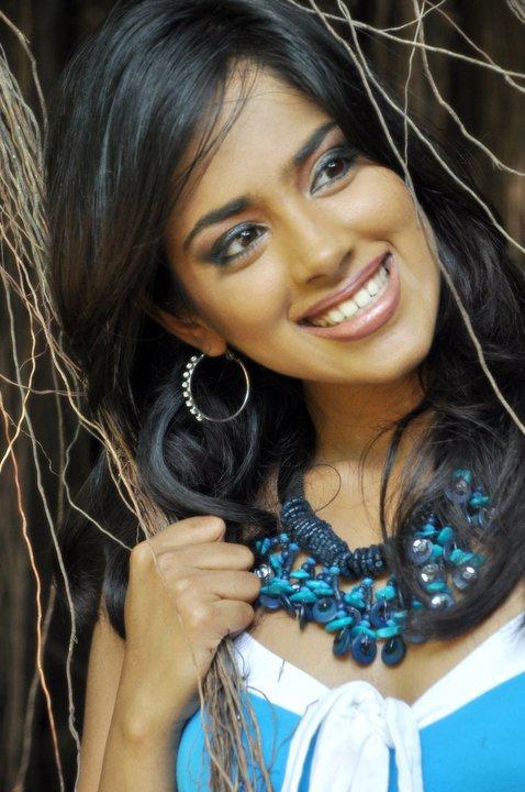 Thanuja Weerasooriya Nude Photos 55