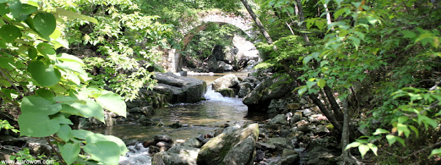 Puente Seungseon en la subida al templo Seonamsa