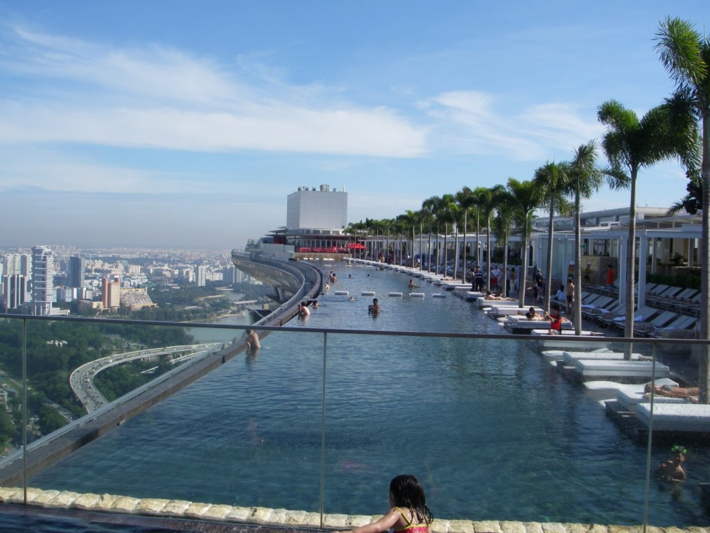 Amazing world amazing swimming pools beautiful rooftop pool - Marina bay sands resort singapore swimming pool ...