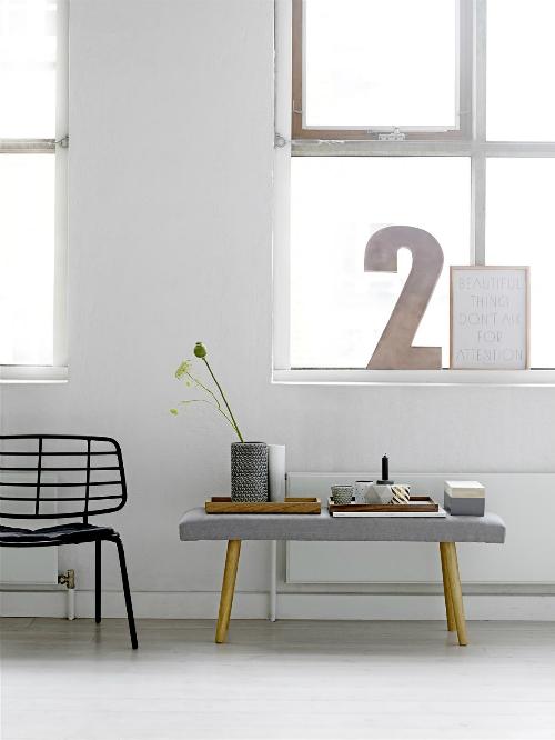 leuchtend grau interior design blog celebrating soft minimalism wechselhaft von der bank zum. Black Bedroom Furniture Sets. Home Design Ideas