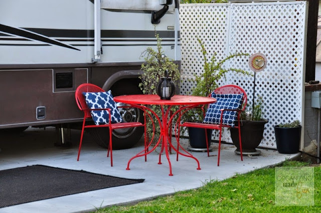 Small patio outside the RV :: OrganizingMadeFun.com