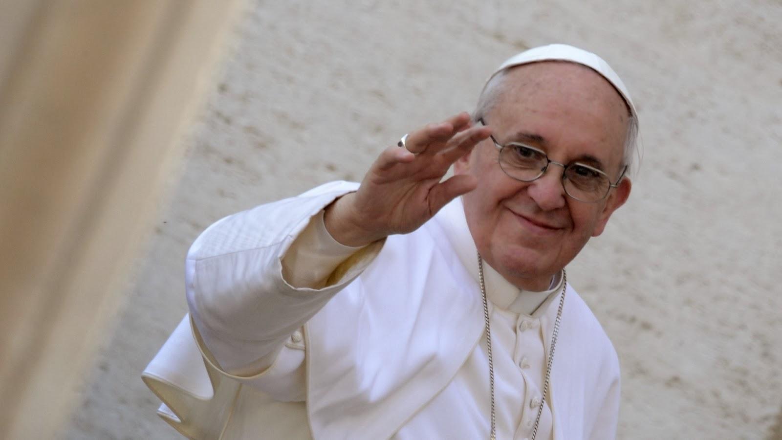 """""""Os brasileiros são uns ladrões, eles roubaram meu coração"""", diz Papa Francisco"""