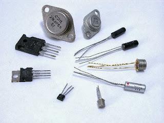 Montages fondamentaux des transistors