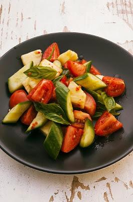 Ensalada con tomate y pepino